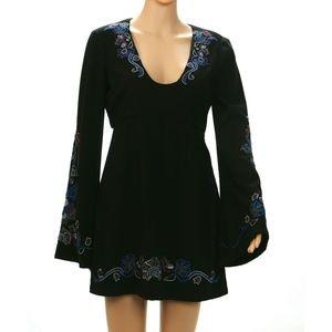 Dresses & Skirts - Free People Black Long Sleeve Mini Dress Size 4